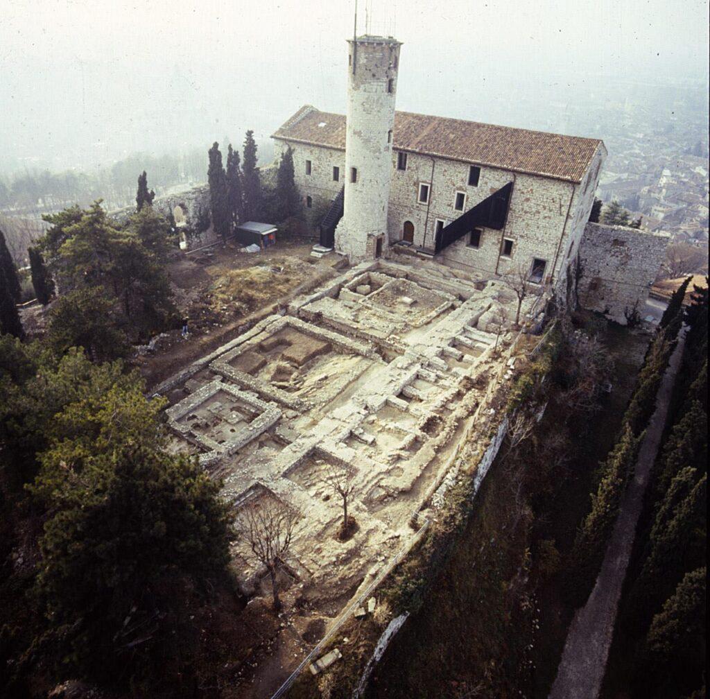 resti basilica castello di brescia