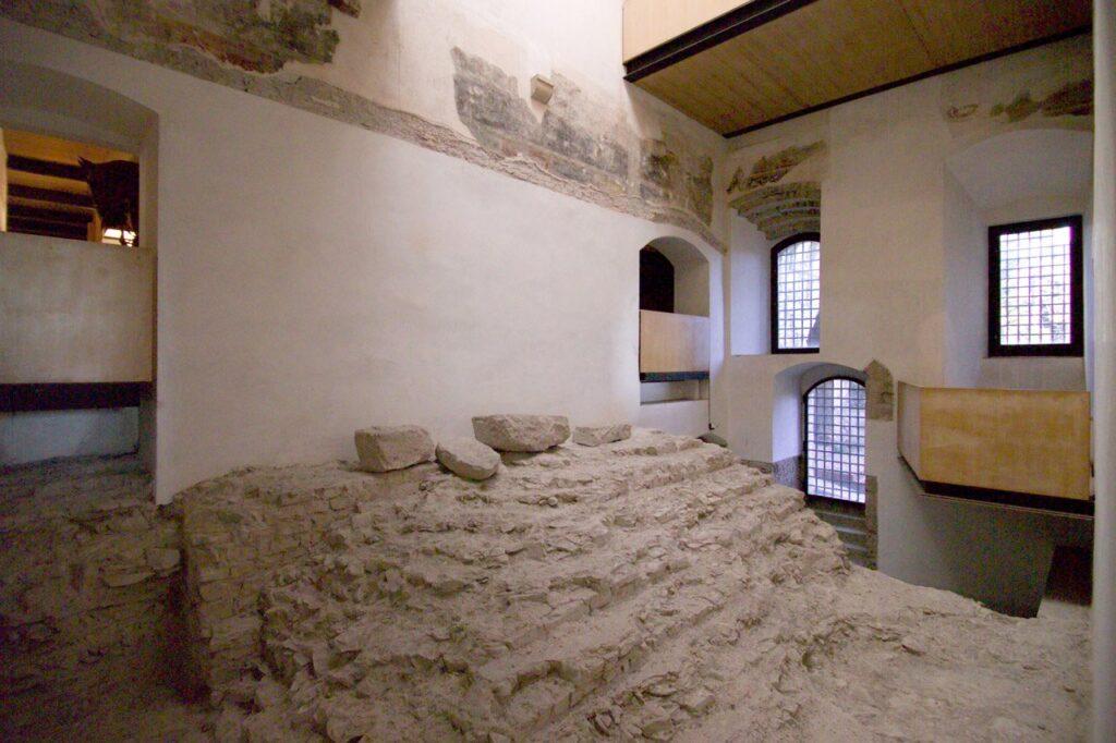 scalinata tempio romano Brescia castello