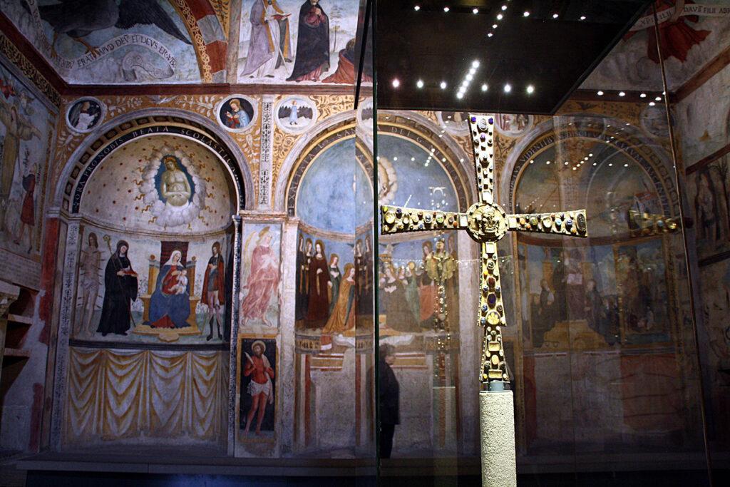 Il Museo di Santa Giulia Brescia Croce di Re Desiderio