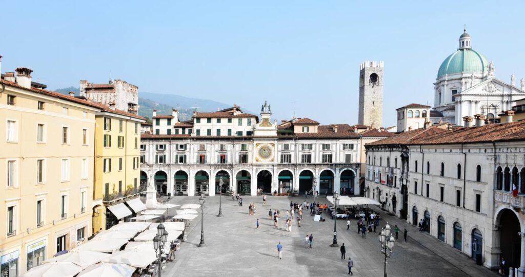 Piazza Loggia Cosa vedere a Brescia