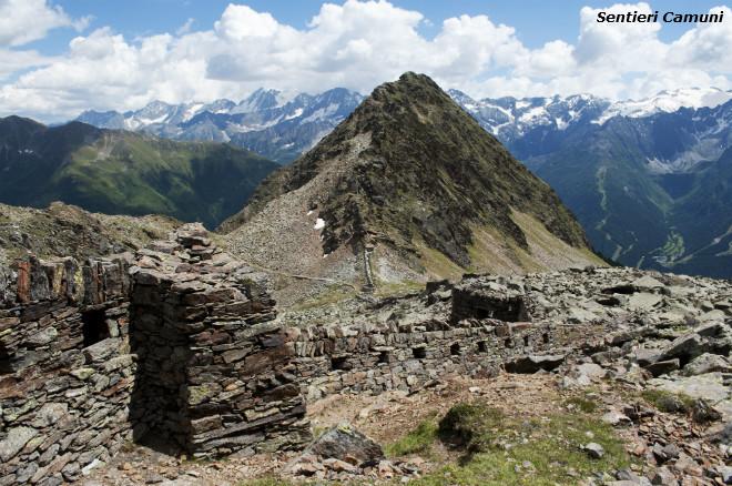 Escursioni in Valle Camonica Bocchetta di Val Massa Trincee
