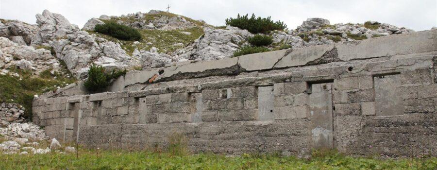 Escursioni in Valle Camonica fortificazioni del Corno d'Aola Trincee